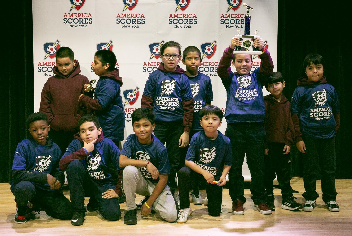 Picture of Boys Team winning Spirit Award