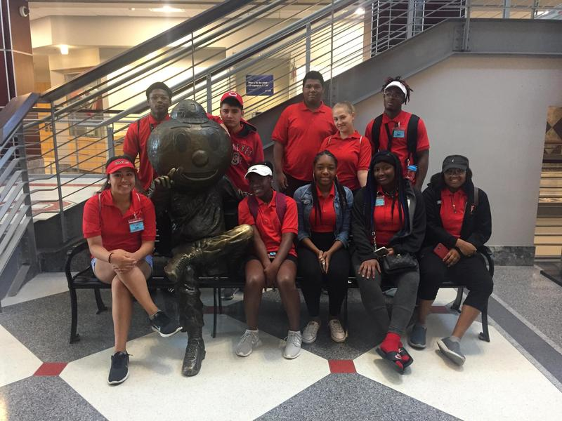 students visiting OSU