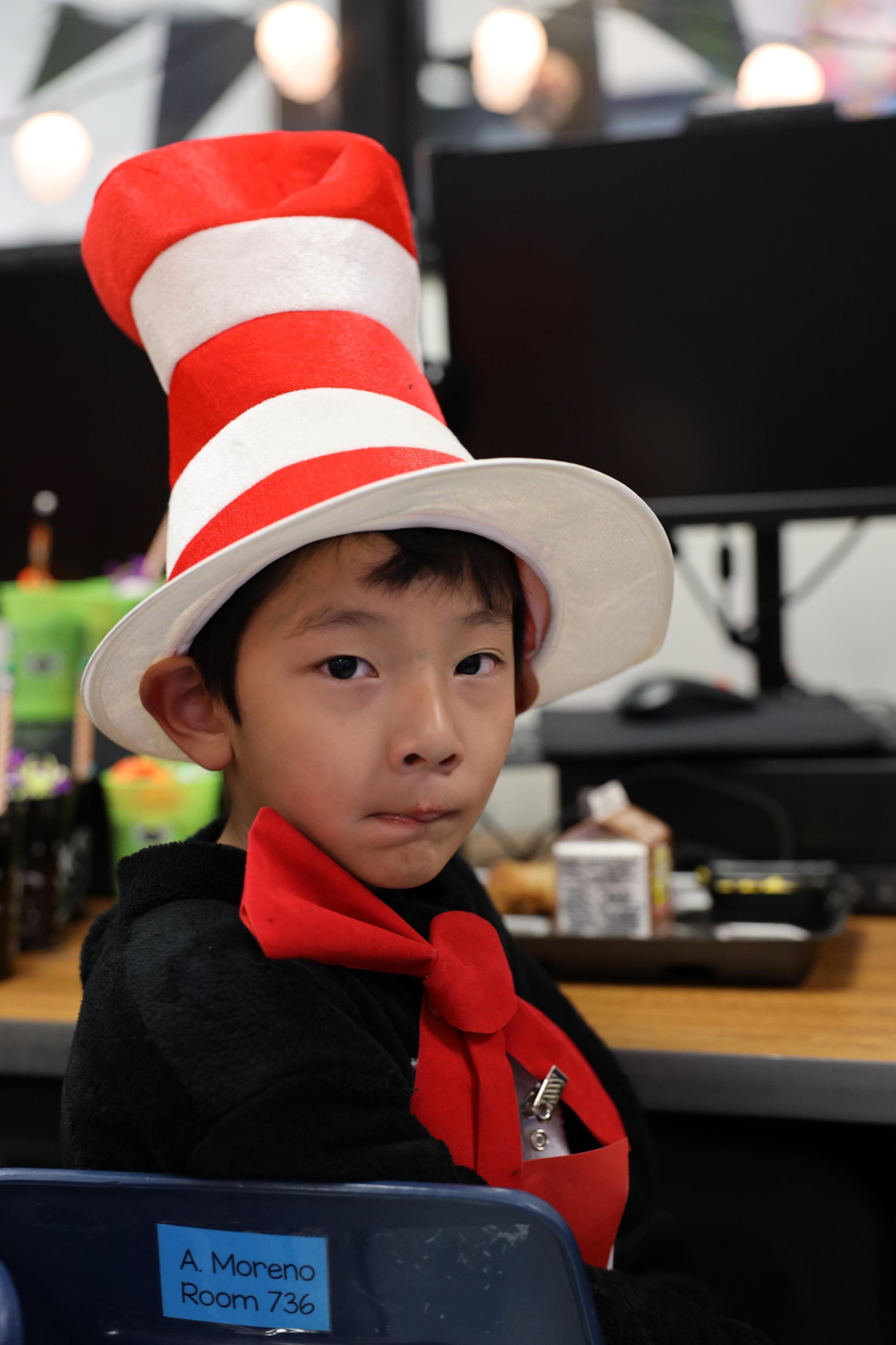 Parkwood Elementary students celebrate Dia de los Muertos!
