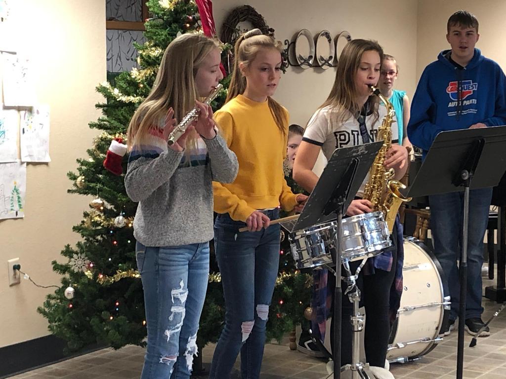 7th grade caroling trio