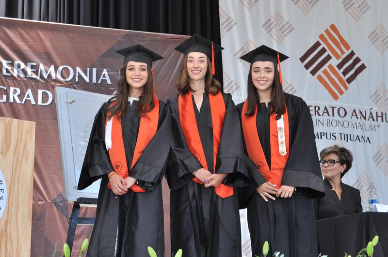 Graduación en Cumbres Tijuana de las primeras alumnas del programa Doble Diploma - International Highschool Featured Photo
