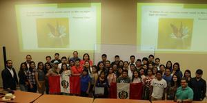 visita estudiantes de peru.JPG