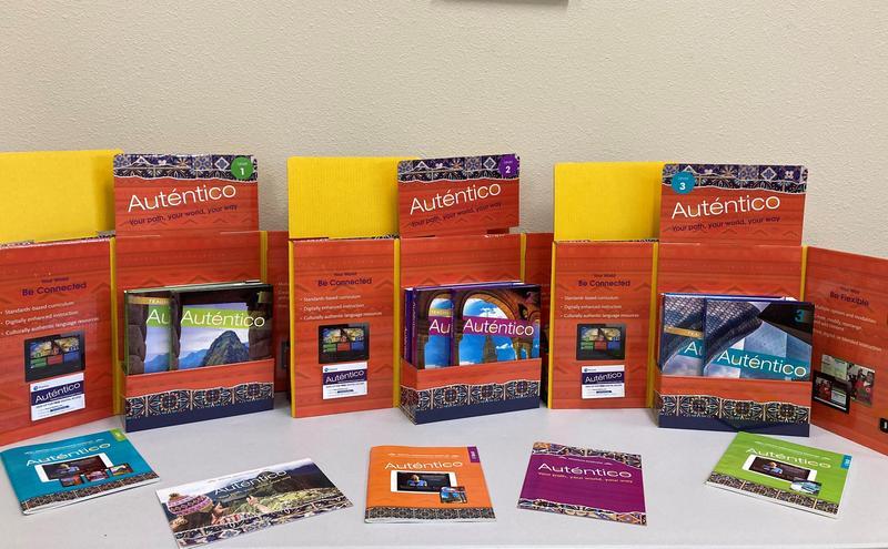 Auténtico curriculum up for adoption/ El plan de estudios Auténtico está siendo considerado para su adopción Featured Photo