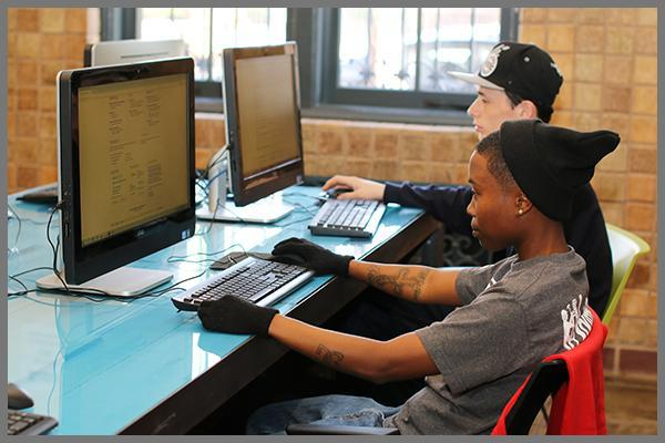 South LA students using VCN computers