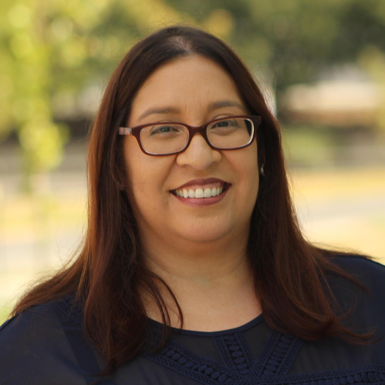 Elizabeth Flores's Profile Photo