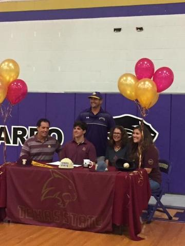 Evans Hendricks signs with Tx State Featured Photo