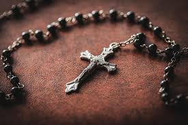 Please pray the  Rosary with Paramus Catholic Featured Photo