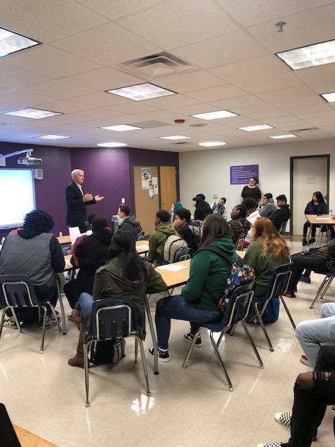 Mayor speaking to students