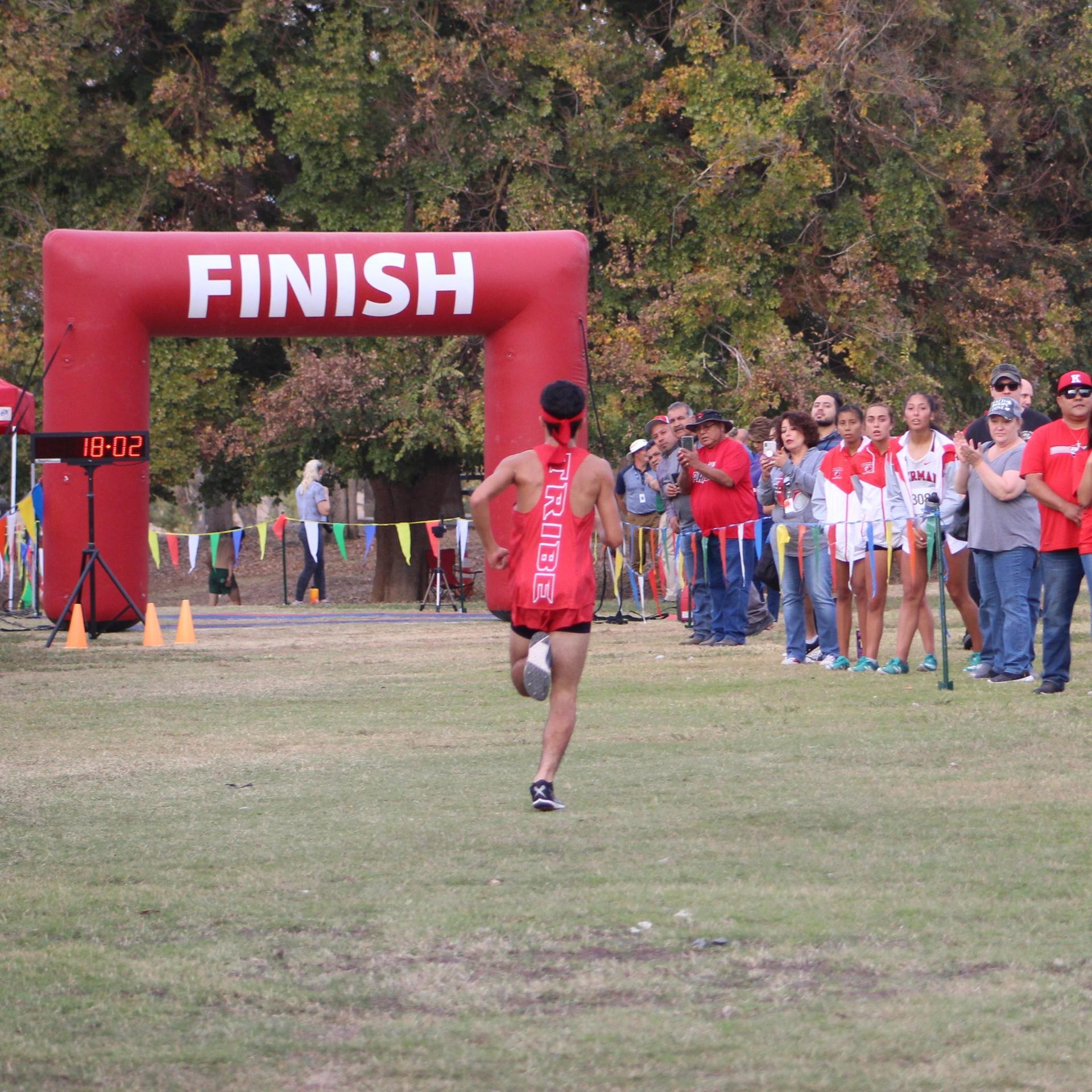 Ryan Diaz running