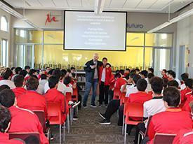 Charla del DEA a estudiantes de 10.° grado Thumbnail Image