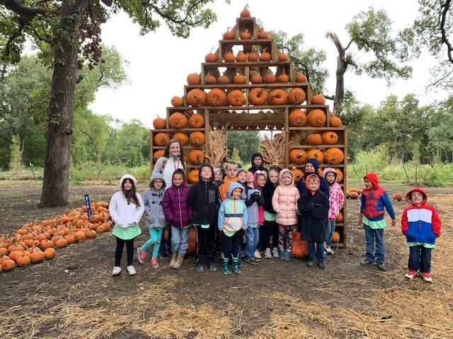 Shady Grove Second Grade Field Trip Thumbnail Image
