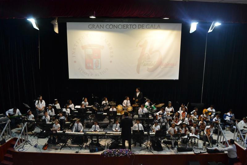La Orquesta Cumbres Veracruz se presenta en la Universidad Cristóbal Colón Featured Photo