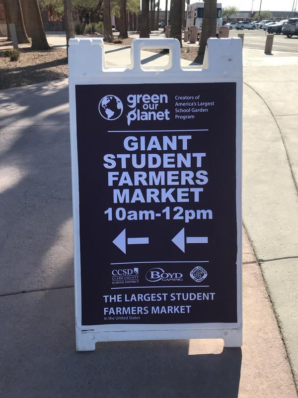 Lowman attends Giant Student Farmers Market Thumbnail Image