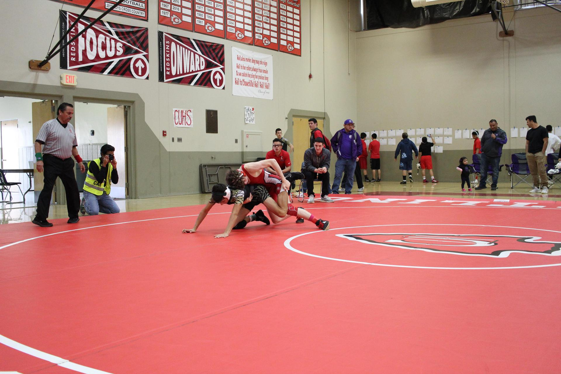 wrestlers competing