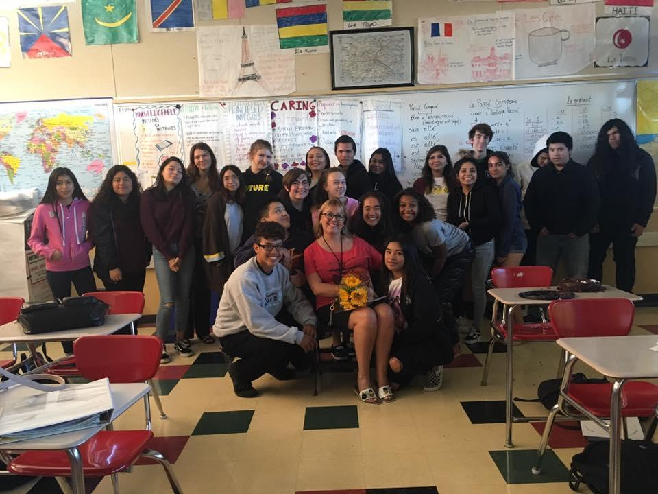 Image of Mme Saade and the French 3 students