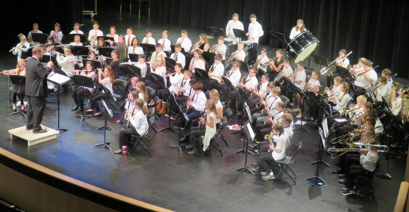 The TKMS band students perform a fall concert.