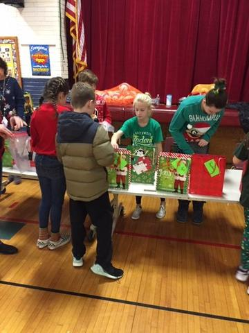 Student Council Sells Candy Canes for Charity Thumbnail Image