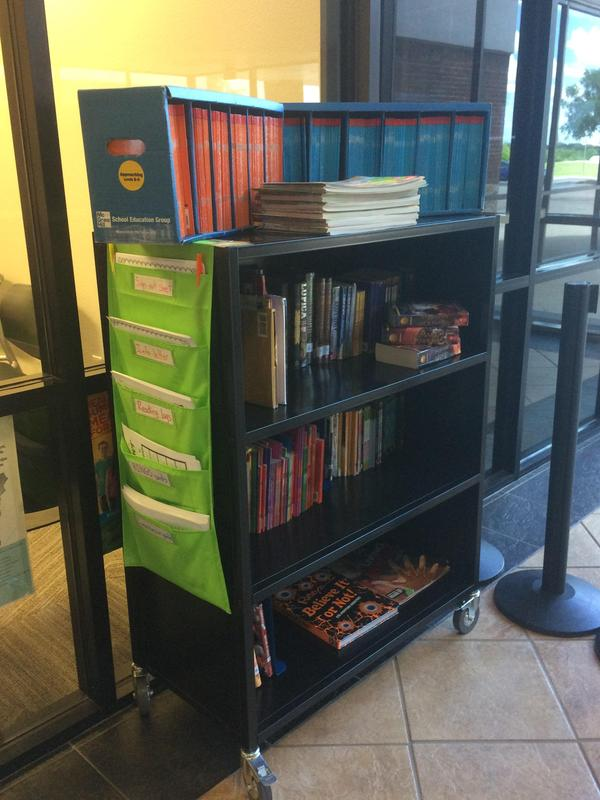 Library Book Cart for students at LSRO!