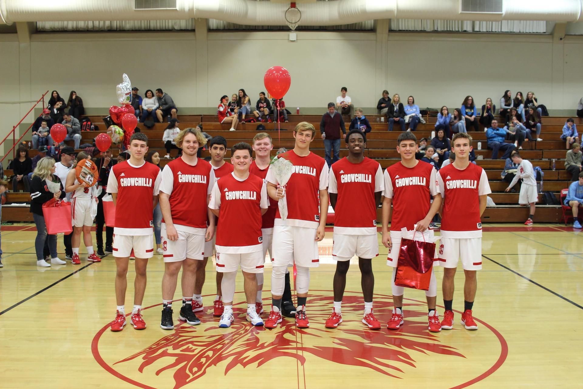 2020 Boys Basketball Seniors and teammates