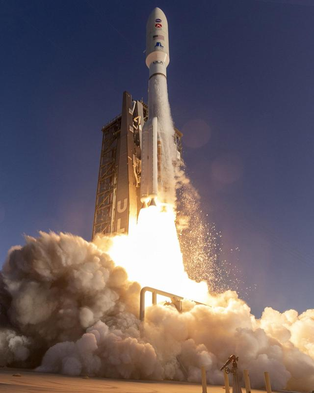 liftOff-CloseUp-original.jpg