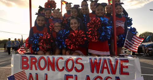 Roosevelt Broncos Cheerleaders