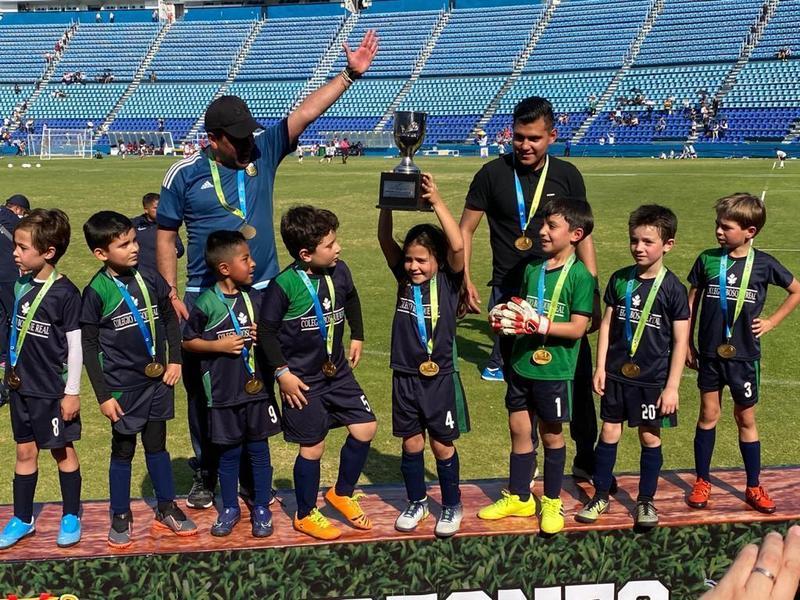 !Campeones¡ Featured Photo