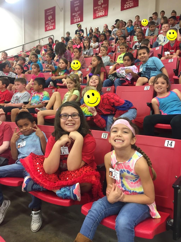 2nd grade super kids at pep rally