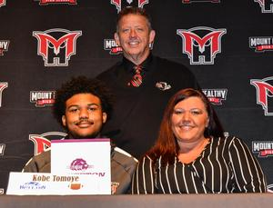 student signing to play football at Bluffton