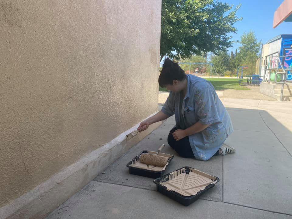 parent volunteer painting