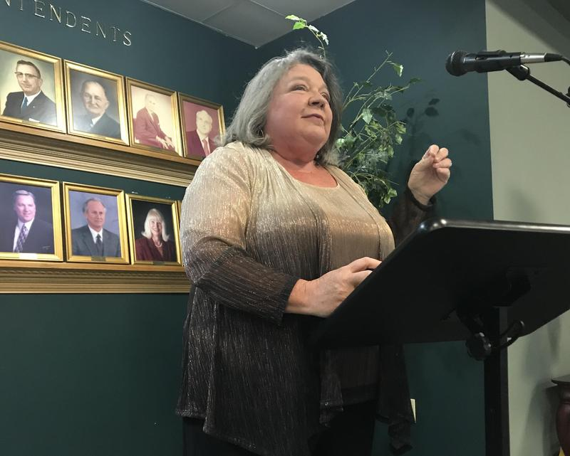 Lynn Summer speaks at induction reception