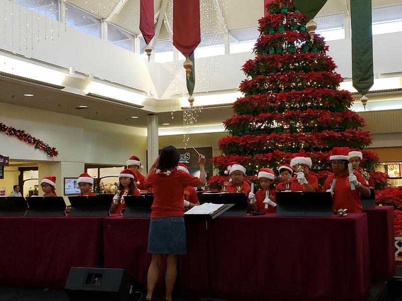 Bell Choir Spreads Holiday Cheer Featured Photo