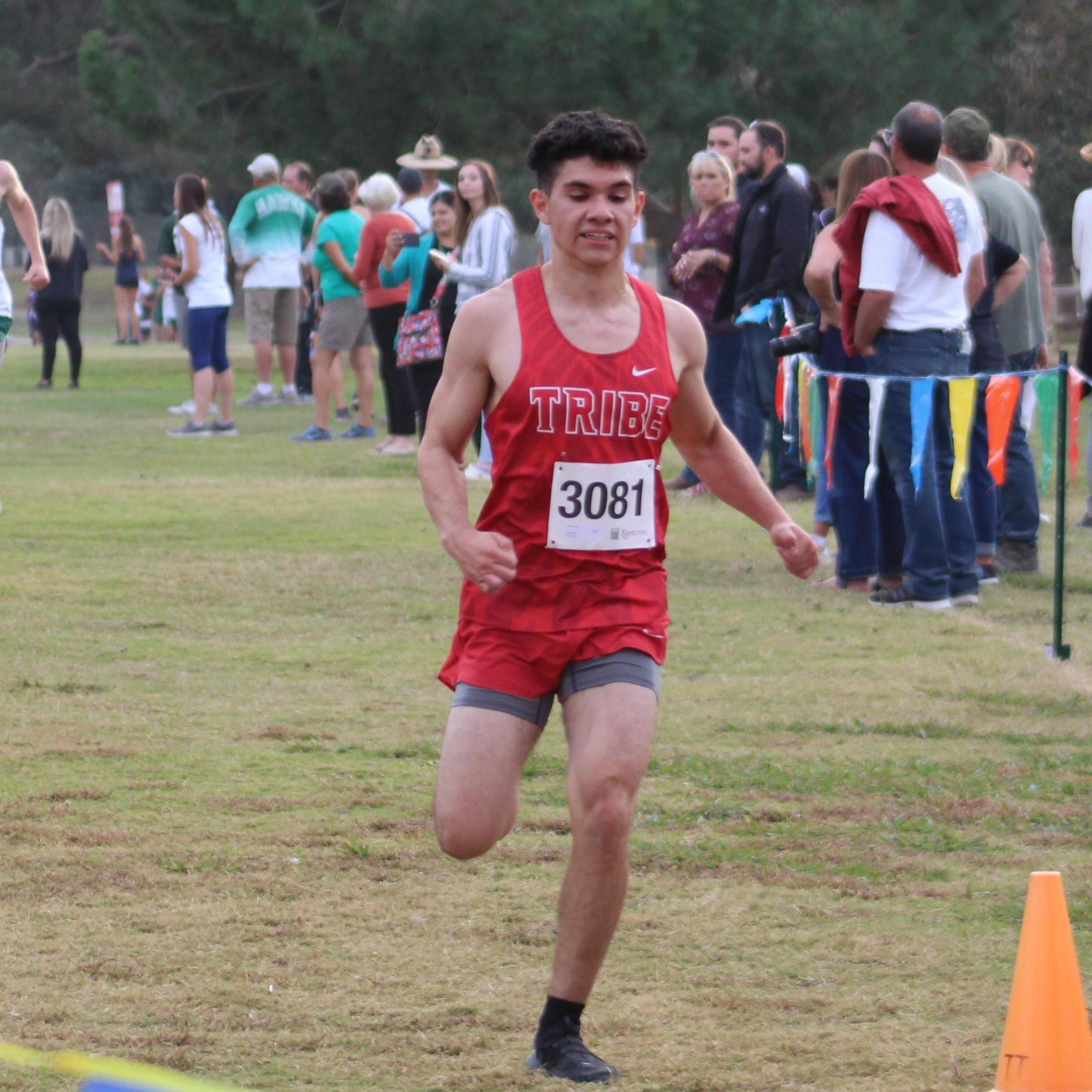 Alfredo Luna crossing finish line
