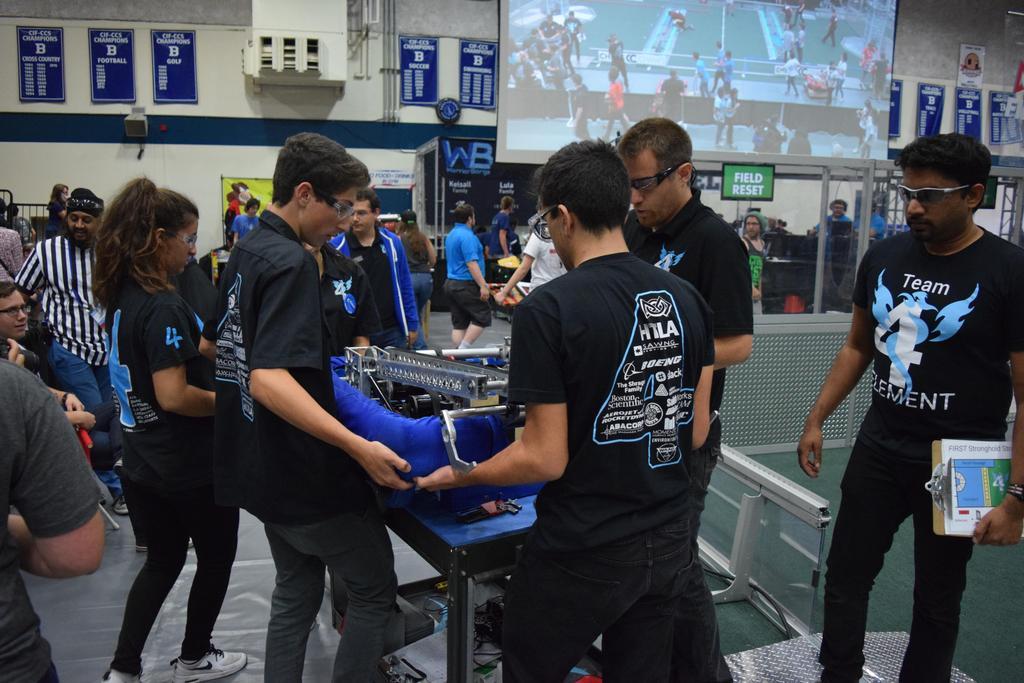 Setting robot onto robot cart
