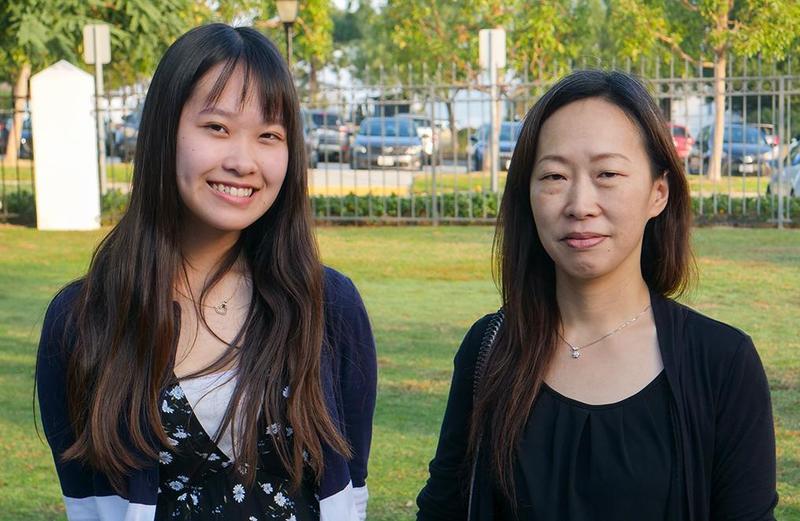 Yu Harishima and her mother