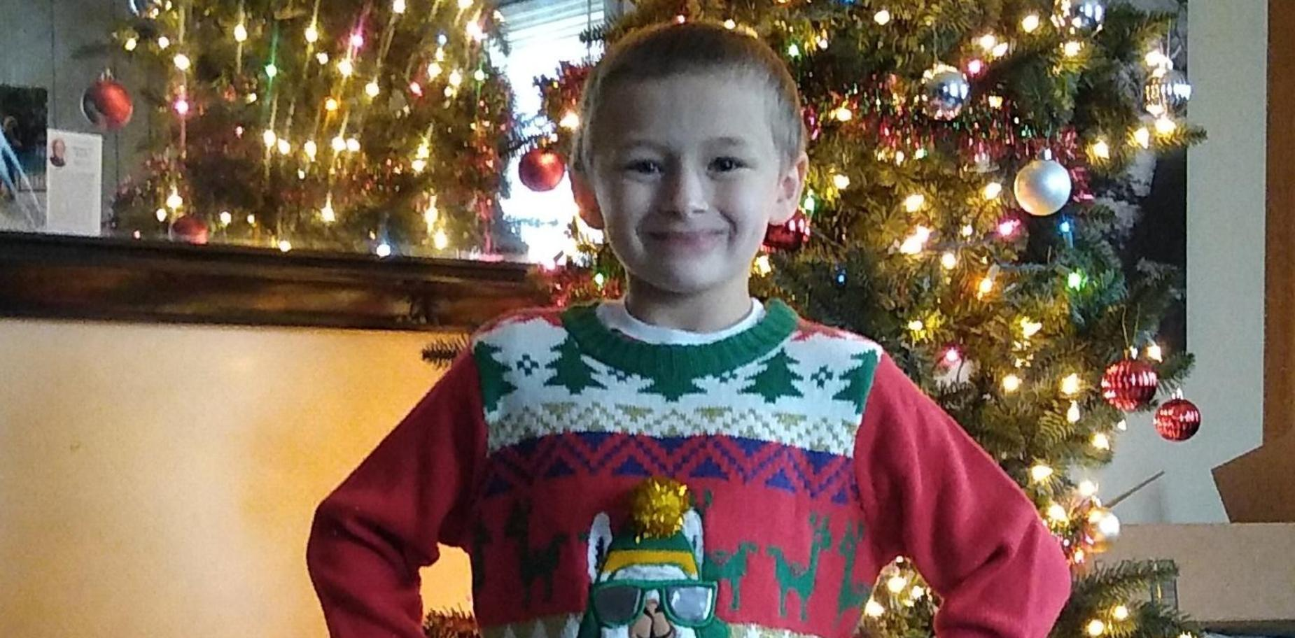 Picture of child in holiday clothing