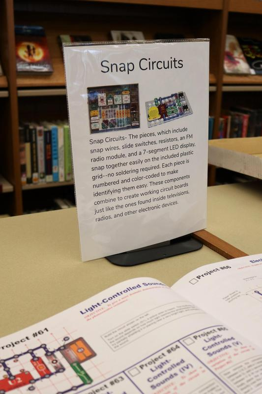 Sign at RIS Makerspace explaining Snap Circuitry.
