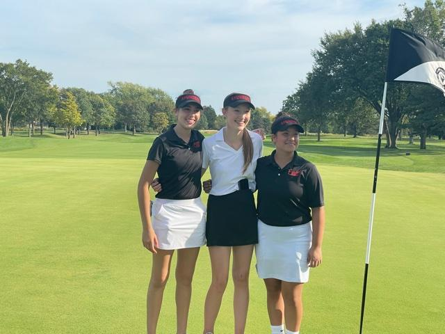 Lady Vikings Compete at Golf Regionals Featured Photo