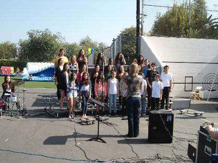 Students singing.