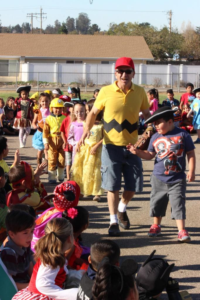 Mr. Hemen, dressed as Charlie Brown, showing good character on favorite character day.