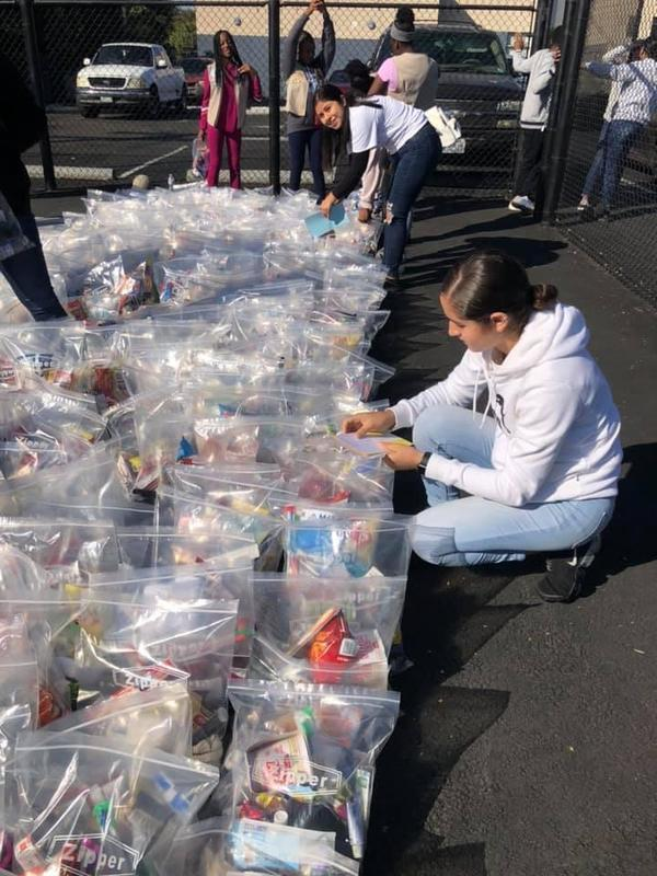 Lynwood Unified Students, Staff Serve Families for Holidays Featured Photo