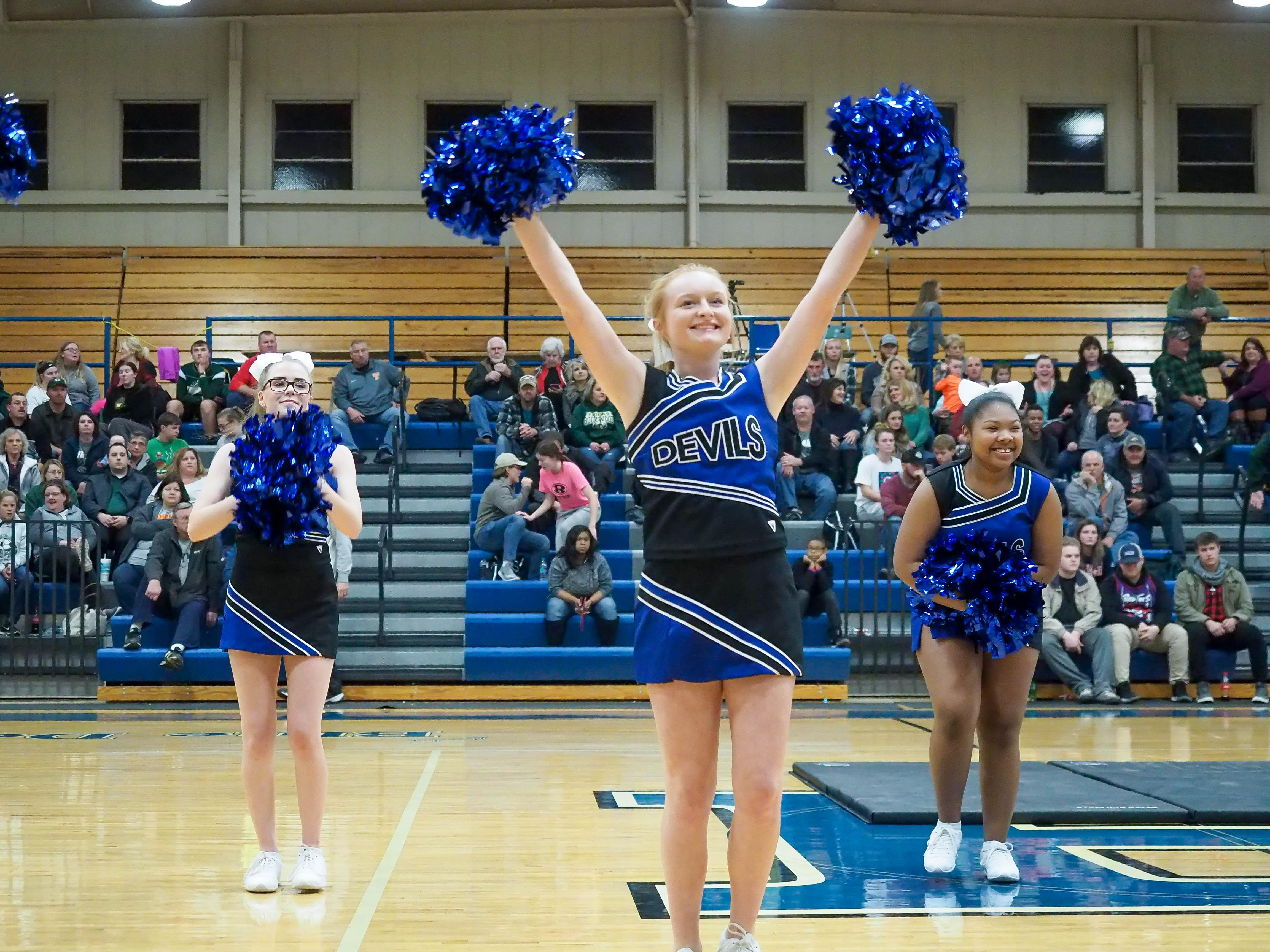 HHS Cheerleaders - Harriman versus Sunbright 2017