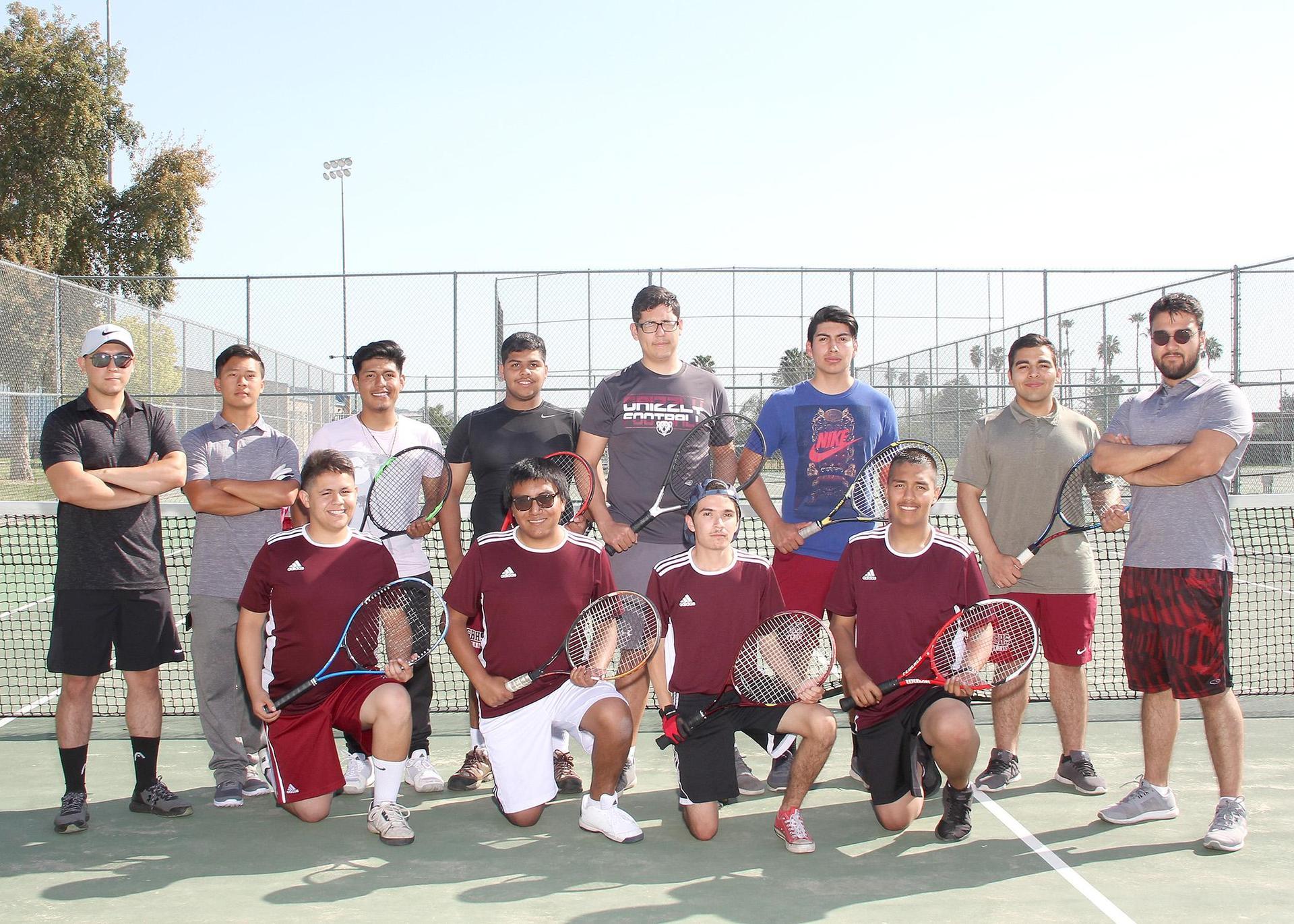 Gentlemen Grizzly Tennis