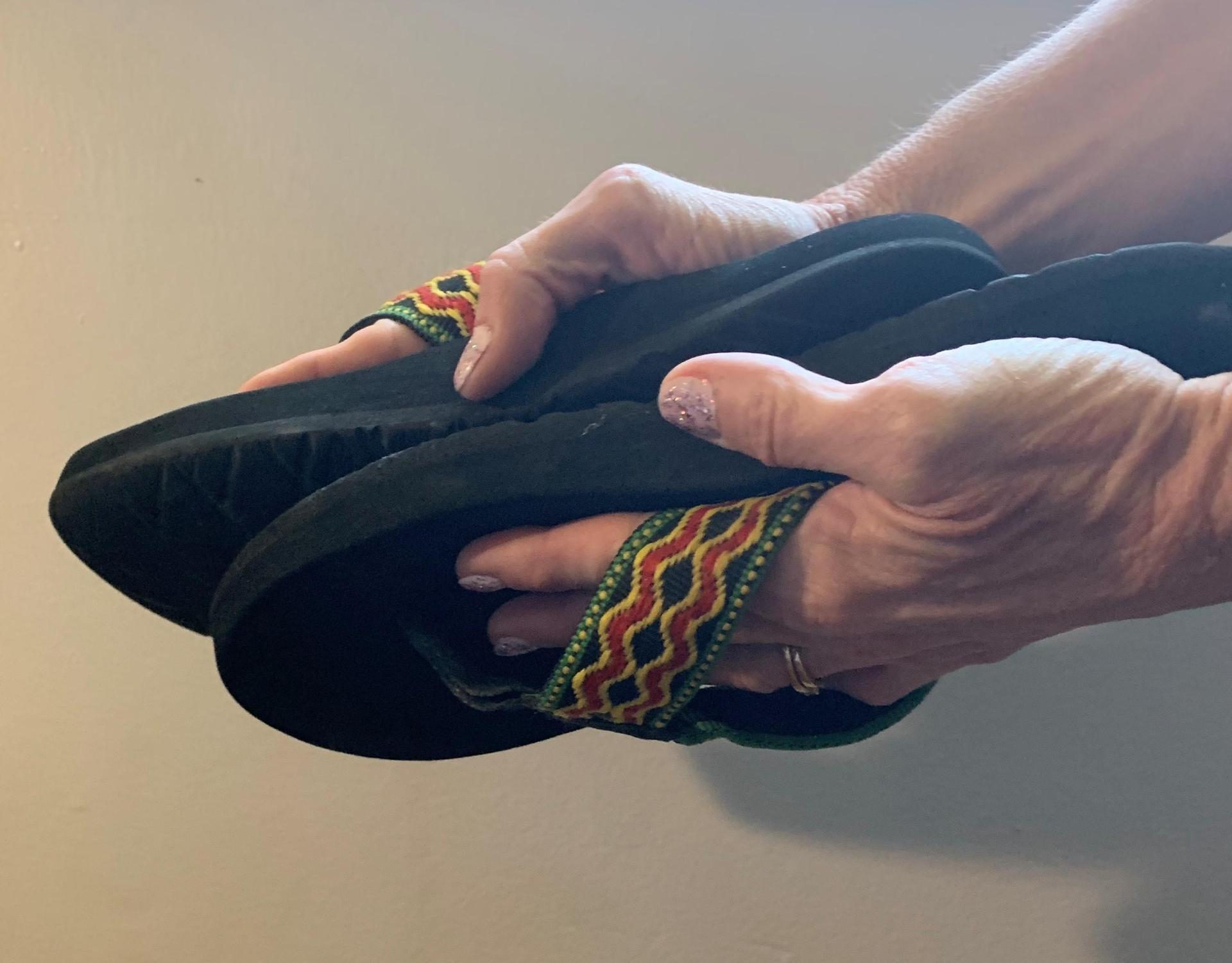rubbing flip flops together