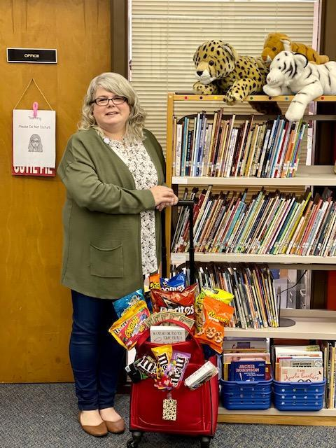 Mrs. Kristen Davis is Teacher of the Year Featured Photo