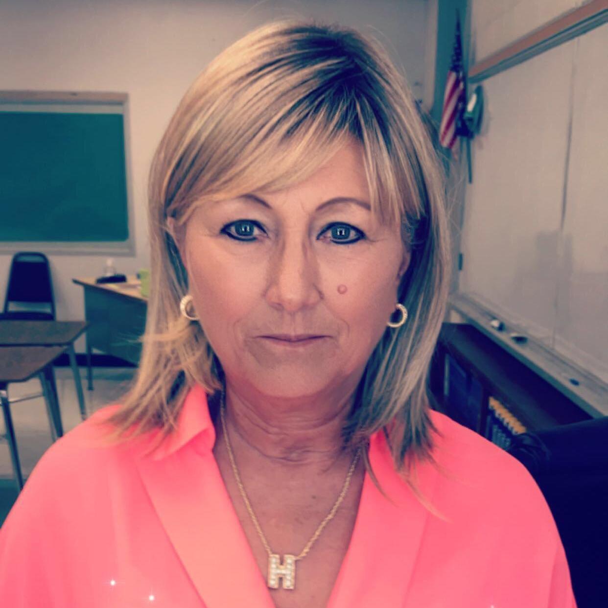 Julie Hoff's Profile Photo
