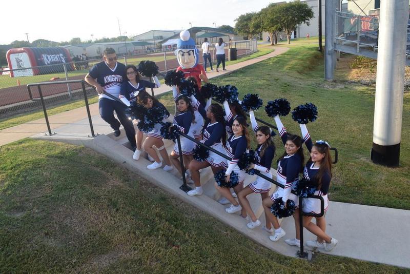 Cheer Sign-up for 7th - 8th Graders Thumbnail Image