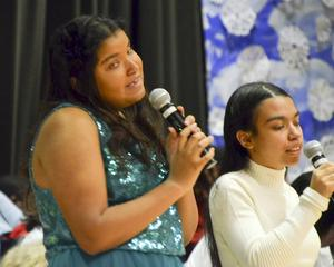 A duet of singing