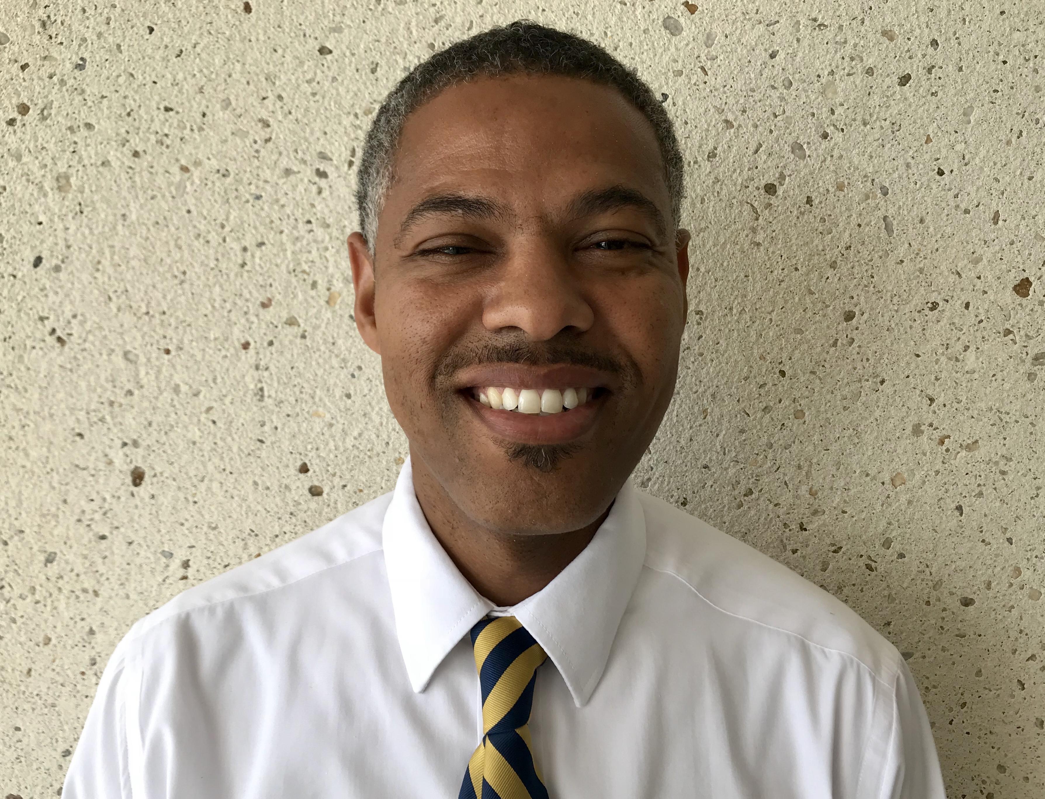 Principal Chris Dickey