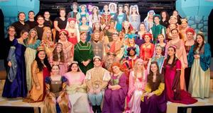 photo of the cast of OLSH's production of Once Upon a Mattress