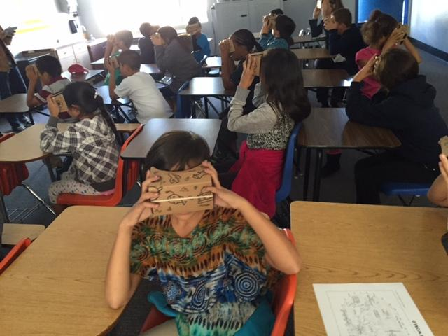 Students exploring the world with Virtual Reality goggles